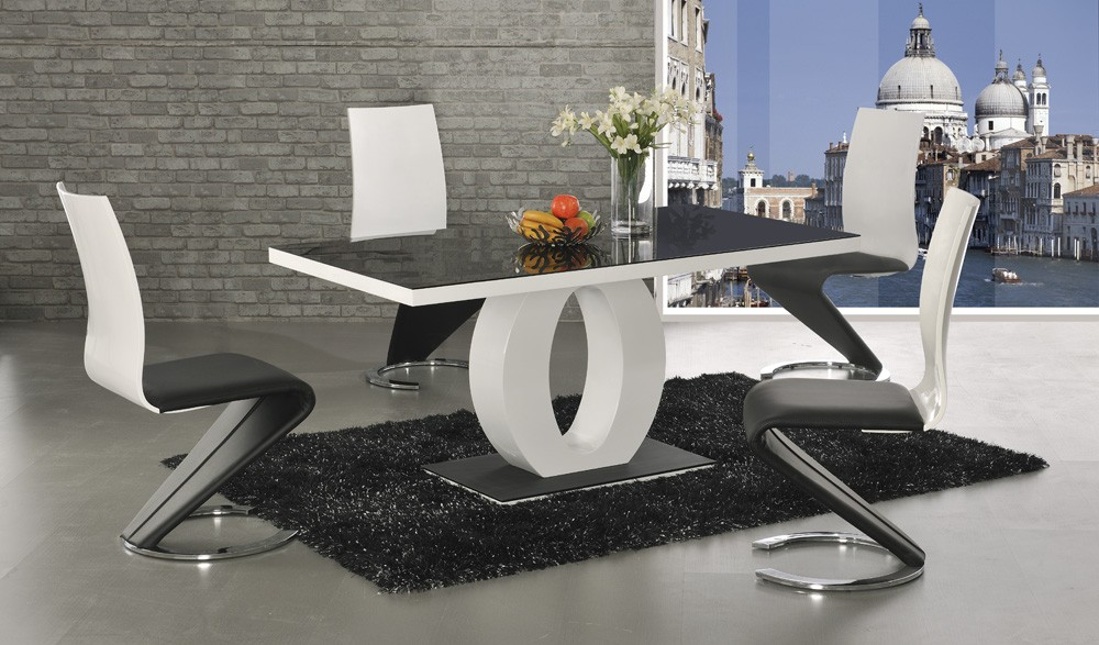 Halcyon Dining Table With 6 Lorenzo Z Chairs
