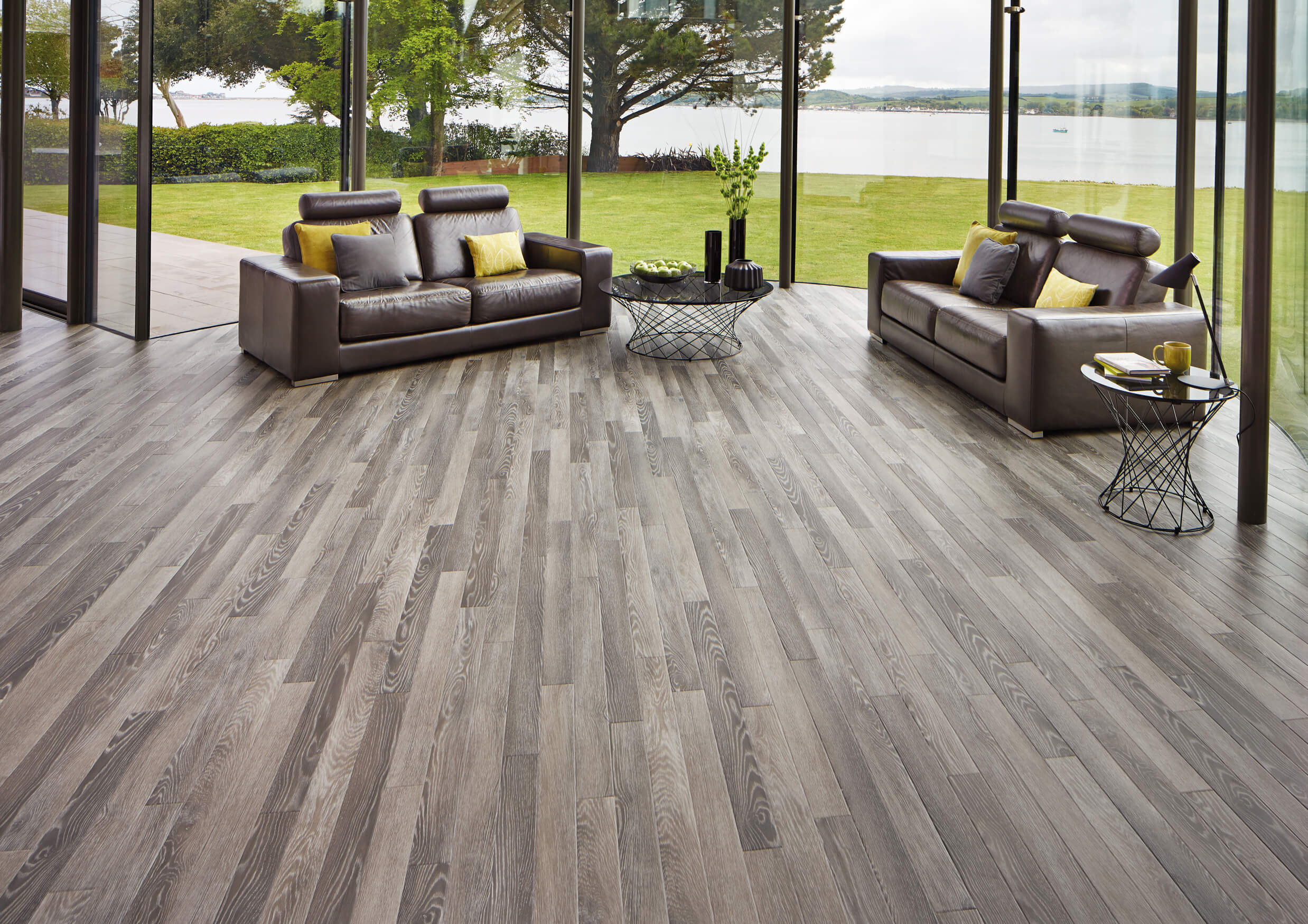 Karndean Are Specialist Providers In Luxury Flooring They Offer Both Tiles And Planks Completely Disprove The Idea That You Cant Get Style