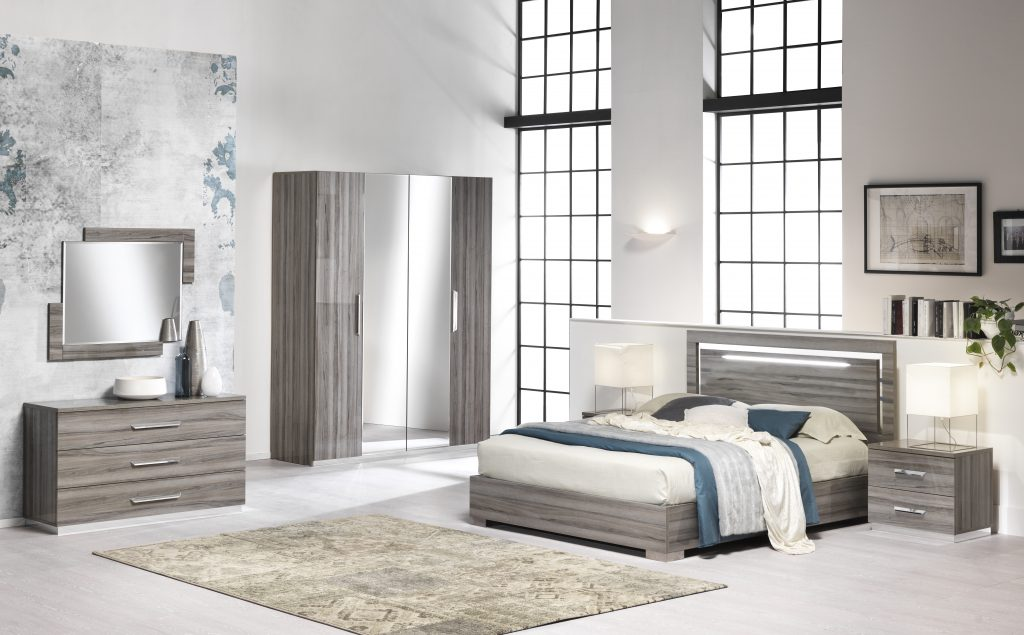 Beverley Oak High Gloss Bedroom set