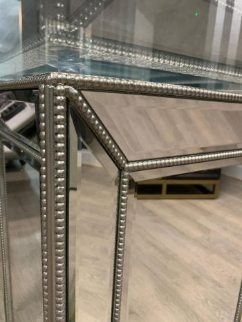 Sofia mirrored glass round dining table detailing
