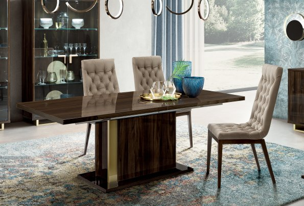 Camel Group Volare Dining Table with Chairs